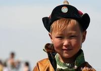 此地村民有金髮黃鬍子特徵,祖上是五胡十六國的燕國鮮卑慕容氏