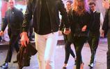 湯姆-布雷迪攜嬌妻出席賽後party十指緊扣 保鏢為其撐綠傘