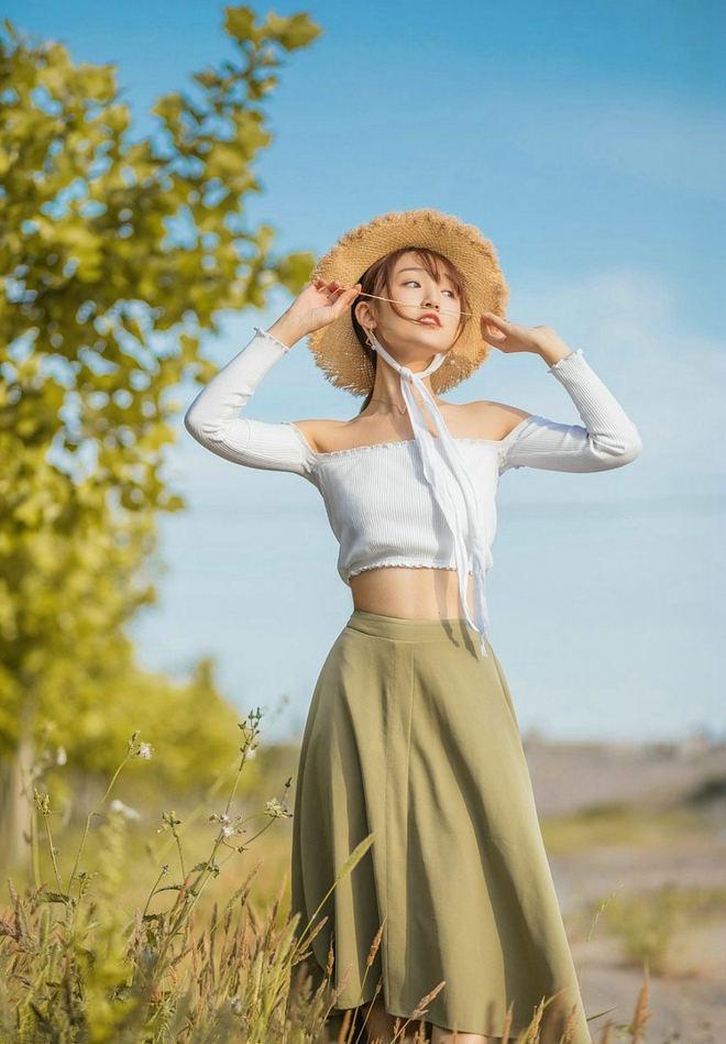 小劉攝影鑑賞:稻香,帶有自然青春氣息的清純美女