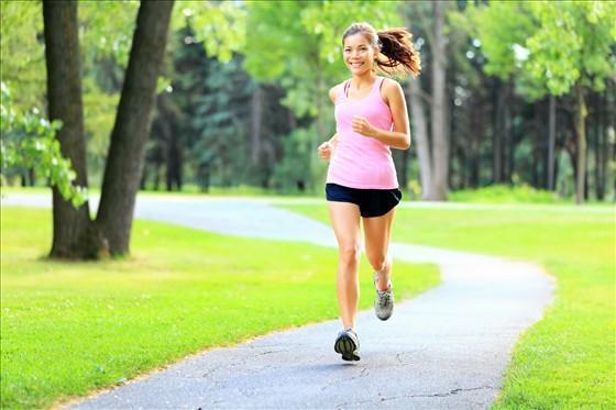 每天只吃早、中飯,每天晚飯不吃,空腹夜跑10公里這樣行的通嗎?