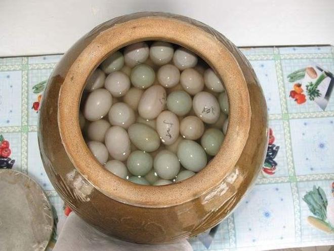 醃製鹹鴨蛋好吃有竅門,多加這兩步,鴨蛋鮮香可口直流油!
