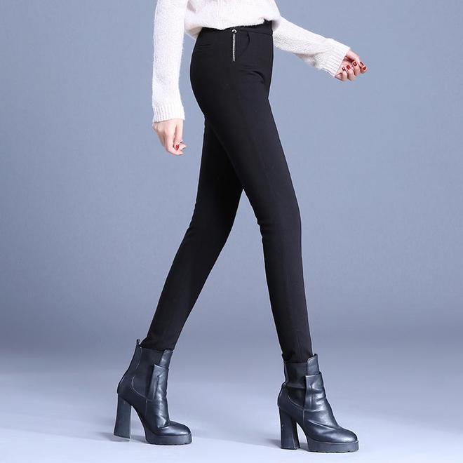 誰說女人不能穿緊身褲?學下圖女人這樣穿,展現完美身材,忒迷人