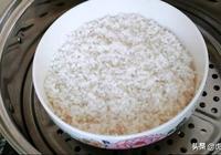 夏天糯米這樣做才好吃,鍋裡一蒸,大刀一切,比粽子都好吃