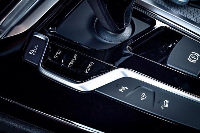 2018款寶馬X3運動型多功能車——更具越野性能