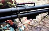 人民軍隊的雙管火箭筒