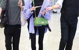 關曉彤口罩遮面似素顏,黑色搭配紫色綠色酷帥又亮眼超會穿