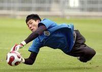 王大雷的手拋球助攻是手球嗎?