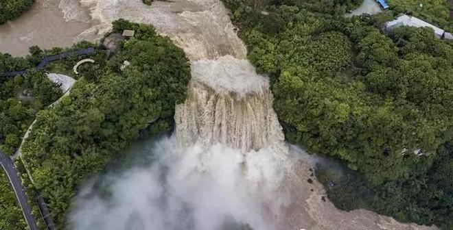 黃果樹瀑布從五月到九月都不同,可秀美可霸氣!