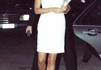 白色連衣裙皇室大比拼!英女王穿的貴氣,凱特、梅根十足高級感