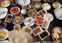 """意想不到的異域風味,酷愛""""重口味""""的阿塞拜疆人喜歡吃什麼呢?"""