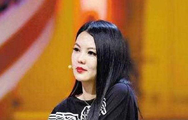 趙麗穎剛出道時,上節目被主持人李湘怒懟,在場嘉賓視而不見!