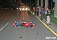 某人車被小偷偷了,然後小偷開車造成交通事故,撞死撞傷多人,小偷也死了,怎麼處理?