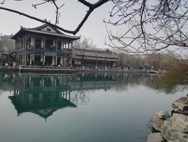 濟南五龍潭的印記