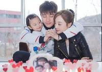 賈乃亮李小璐婚變後,李小璐有了新的身份,網友表示:想洗白?
