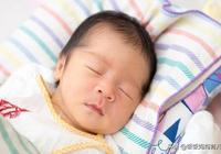 孩子睡覺時有這幾種表現,很可能是缺鈣了,家長要留心!
