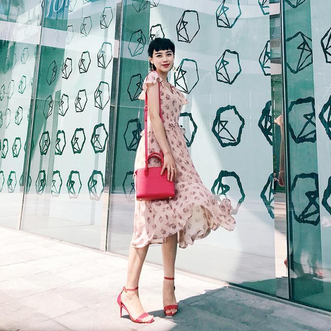 30歲的女人穿碎花裙最好看,40歲穿就顯嫩了