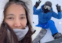 袁詠儀晒結婚週年照,牽著老公張智霖的手一起看雪景,好幸福