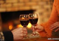 """喝酒後出現這4個異常,多是身體在提醒你,肝臟""""出事""""了"""