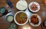 我家的晚飯,粉絲丸子燉豆芽 木耳炒胡籮卜絲,媳婦孩子都喜歡吃