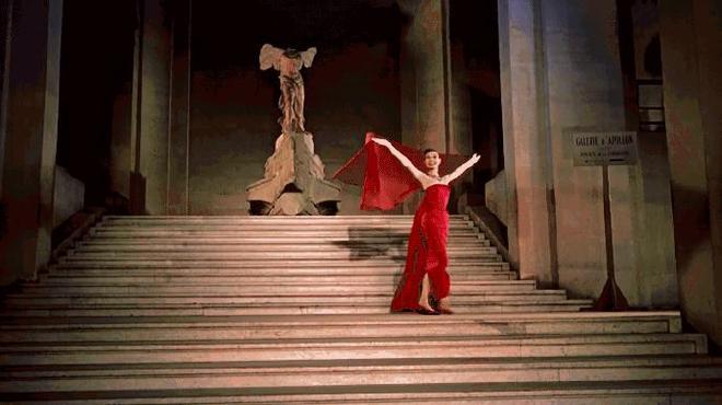 春風十里不如你 奧黛麗赫本曾在巴黎拍攝超震撼時裝大片