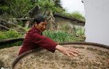陝西石泉7旬老人獨守百年老宅,只盼著過年了兒孫們都回家