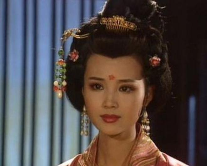 國家一級演員,前夫大她18歲,二婚嫁劉之冰,子女顏值高