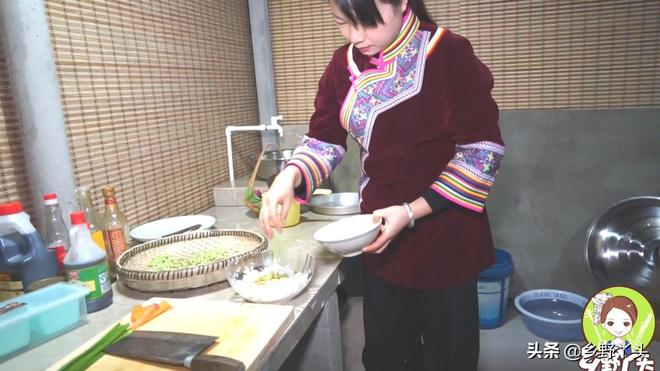 相信很多朋友們都是喜歡吃臘腸的,今天秋子就來做一個臘腸飯