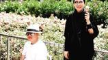 48歲孫楠全家戶外遊玩照,妻子端莊大氣,基因強大三個孩子太像爸