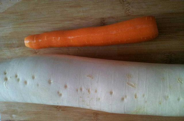 婆婆醃了一罐蘿蔔,剛醃一半就被我們吃完了,偷偷告訴你配方!