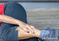 哪些因素導致小腿抽筋?抽筋了該如何急救?一篇文章全告訴你