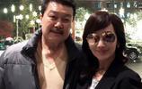 63歲趙雅芝全家近照,兒子帥氣、丈夫像黑道大佬