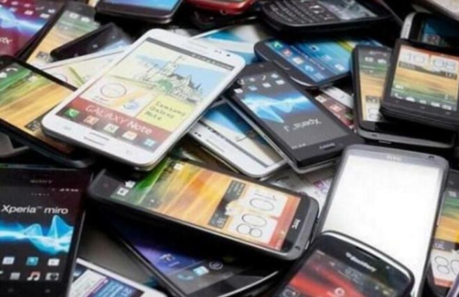被回收上來的舊手機都用來幹什麼了?看完這組圖就明白了!