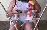大鬍子爸爸的父愛:10張超搞笑的父女照片,融化你的心!