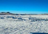 並不是只有在查幹湖才能看到冬捕,在察爾森湖也一樣能感受冬捕!