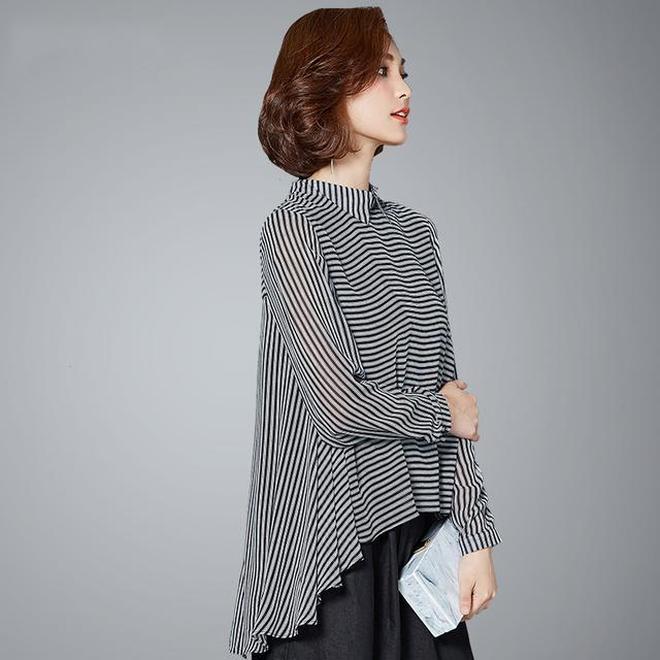 秋天天氣轉涼,洋氣的女人都在穿長袖+九分褲了,顯瘦又顯高