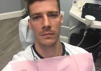 德拉季奇晒自己看牙醫時的照片
