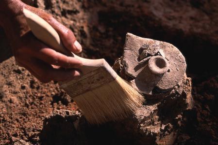 考古和盜墓有什麼區別?
