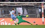 足球——意大利杯:拉齊奧負羅馬仍進決賽