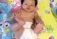 今天聽鄰居大媽說,新生兒一直用紙尿褲對孩子不好,尤其是女孩,一定用尿布,是真的嗎?