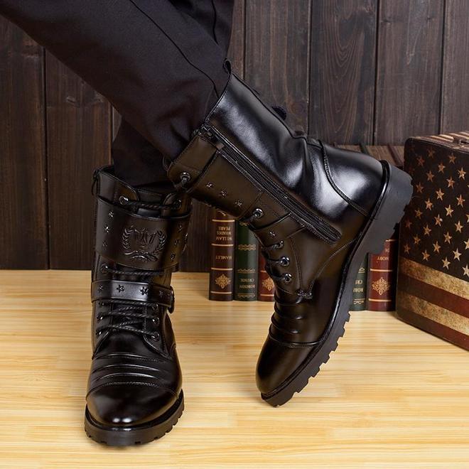 過年寧願不吃肉也要拿下這馬丁靴,霸氣又有型,誰穿誰有面兒