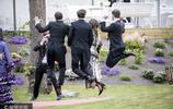 凱特王妃妹妹與新婚老公出席友人婚禮 和伴郎團起跳合影玩嗨