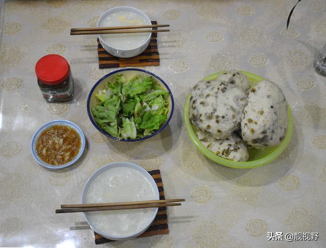 榆錢窩窩蘸蒜汁,農家飯菜,雞蛋甜湯,涼調生菜,好吃清淡又健康