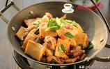 冬天我家最愛吃這菜,隔三差五得做一回,十塊錢一大鍋全家吃不膩
