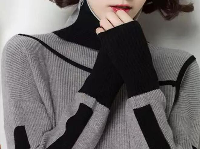 """今年流行""""半腰式""""毛衣,40-60歲的媽媽穿洋氣時髦又年輕"""
