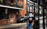 好酷!這些人戴著星戰風暴兵頭盔拍旅行照,竟然還與熊貓合影了!