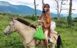 幼兒園裡最帥的小朋友上線了,騎馬來的小仙女汪束來了