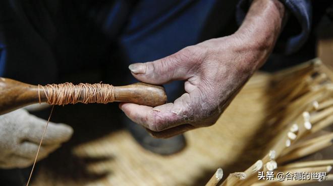 72歲農民大爺地下室幹活、手藝稀罕,患疾病不捨放棄,一天掙35元