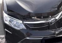 日系車和德系車差距多大,豐田凱美瑞撞上寶馬X5,差距一目瞭然