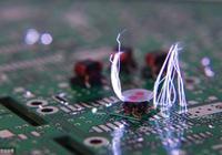 在單片機設計過程中,擺脫EMC的軟硬件處理方法