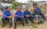 廣西隱於山谷的千年古寨,村婦人人會舞龍,還是遠近聞名的長壽村